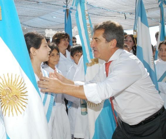 """Urribarri: """"hay un doble compromiso por obras en zonas rurales"""""""
