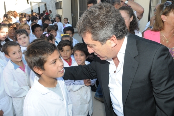Urribarri puso en marcha el ciclo lectivo 2011