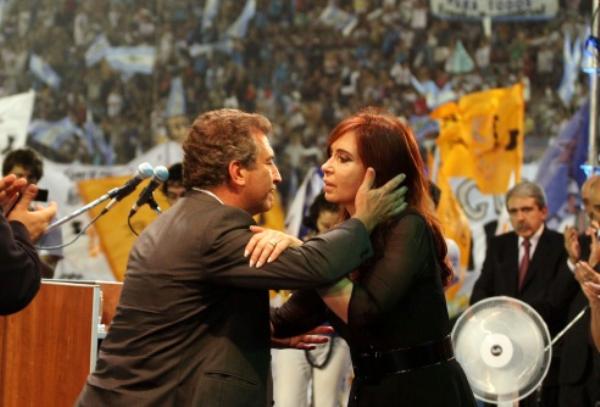 Encuesta Elecciones Primarias: Cristina y Urribarri arrasarán