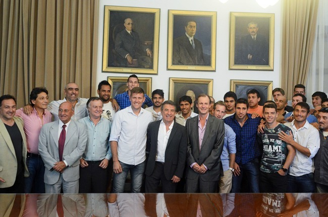 Urribarri y Bordet recibieron y felicitaron al equipo del Club Patronato