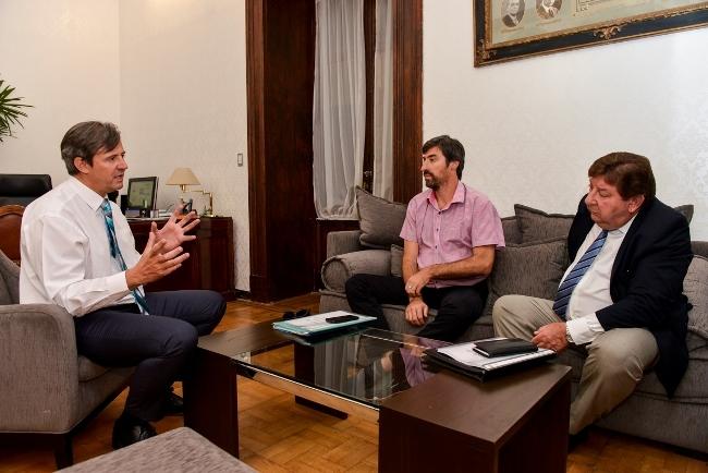 Ante el comienzo de la actividad legislativa, Bahl convocó a Giano y Kisser