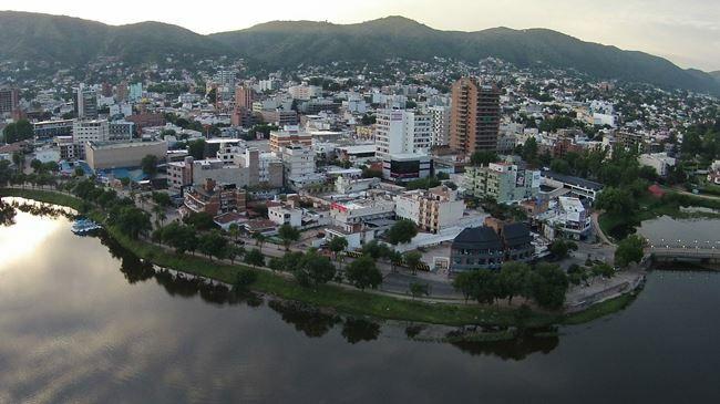 Turistas denuncian que en Carlos Paz los estafan con alquileres por internet