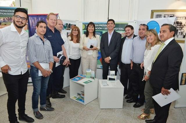 Se inauguró la Galería Educativa en la Sala Manuel Antequeda