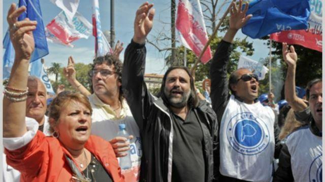 """Baradel admite que evalúan otra forma de protesta que puede """"excluir paros"""""""
