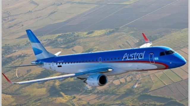 """Un avión debió dar vueltas en el aire porque el aeropuerto de La Rioja """"estaba cerrado"""""""