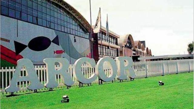 Arcor suma capital en Mastellone y compra la papelera Zucamor