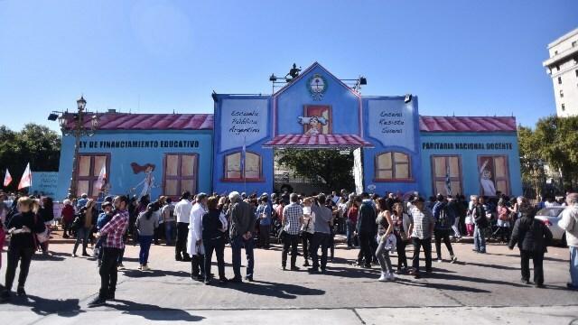 Extienden permiso a la Escuela Itinerante hasta el 5 de mayo'