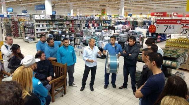 Walmart despidió a 55 trabajadores de la sucursal Avellaneda