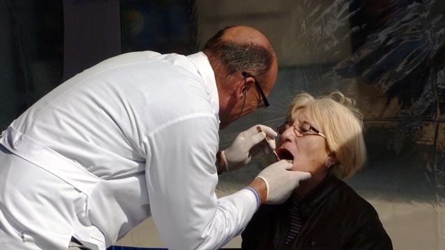 Se inició una campaña para prevenir el cáncer bucal