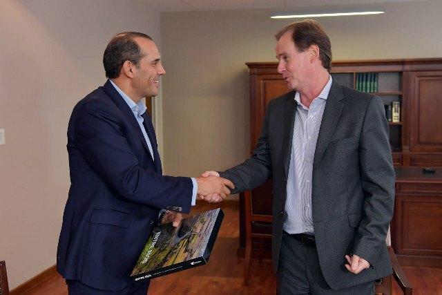 """Especialista económico y político destacó el """"potencial enorme"""" de la provincia"""