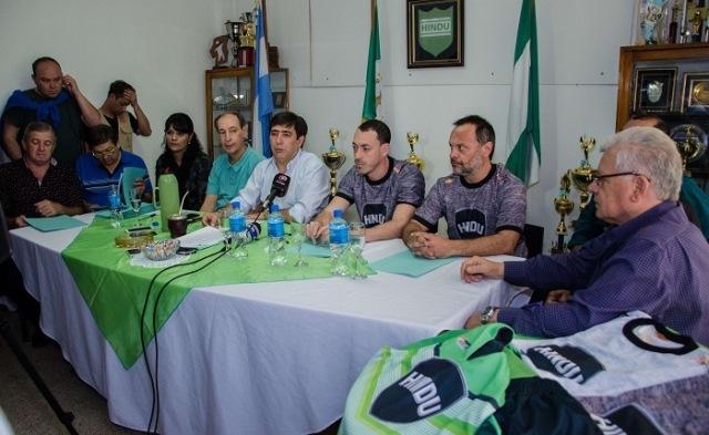 Liga Argentina (ex TNA): Hindú presentó plantel y cuerpo técnico