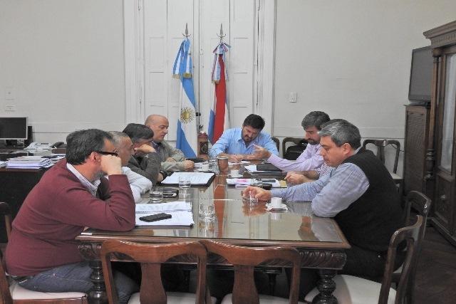 La Provincia analiza acciones para regularizar a los pescadores artesanales de Concordia