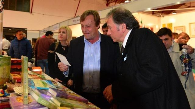 Una vergüenza: la Municipalidad de Paraná suspendió abruptamente la Feria del Libro
