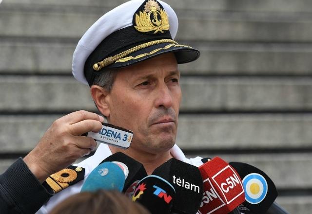 "Balbi: ""No descartamos nada porque todavía no sabemos dónde está el submarino"""