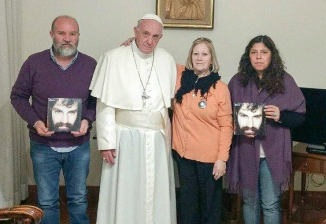 Francisco recibió a la familia de Santiago Maldonado
