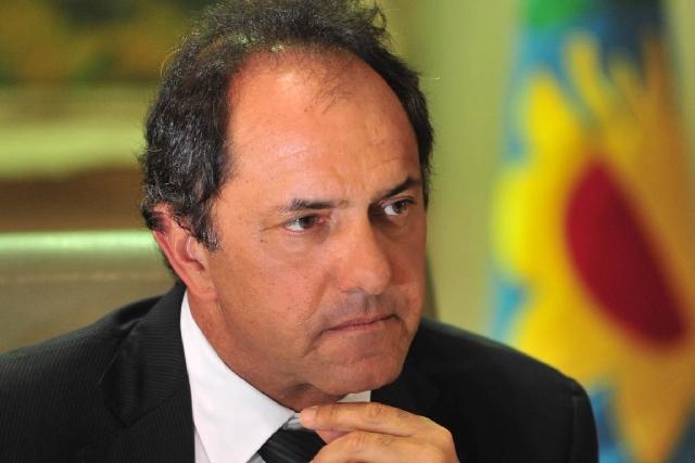 """Allanan propiedades de Daniel Scioli por una """"venta sospechosa"""""""