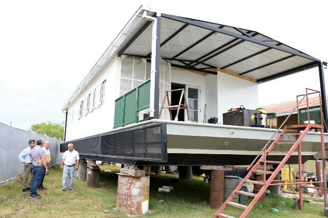 Se construye una Unidad Educativa Flotante para Islas del Ibicuy