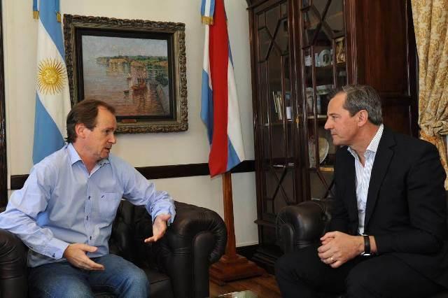 Bordet y Bahl acaparan el 57 % de aceptación entre empresarios y profesionales de Paraná