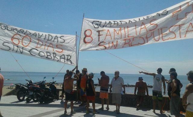 Guardavidas sin respuestas: realizan nuevas medidas de protesta