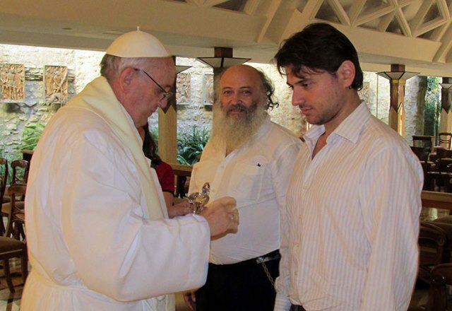 """La Iglesia contra los medios: """"Nadie puede hablar en nombre del Papa"""""""