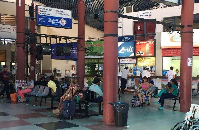 Empresas de micros en crisis: la CNRT admite fuerte caída de pasajeros