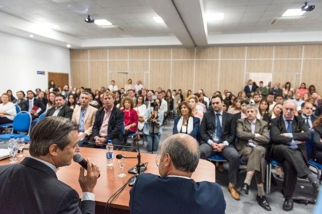 """Bahl: """"Celebro que Entre Ríos ofrezca una instancia de formación para los agentes públicos"""""""