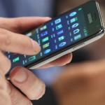 Habilitan el uso del celular dentro de los bancos