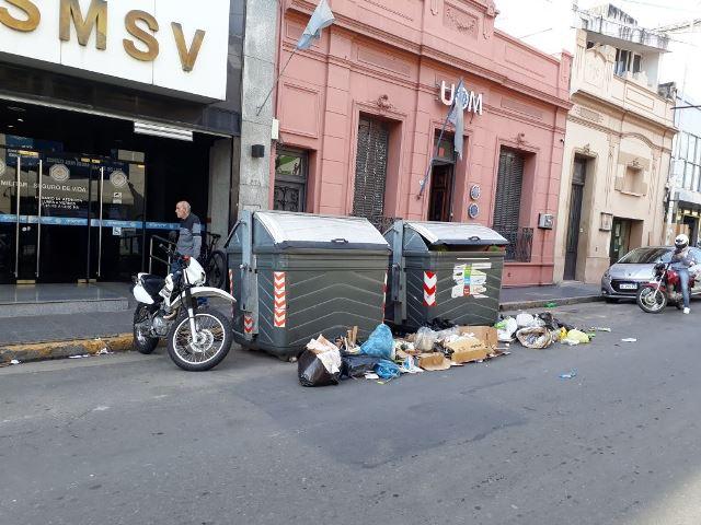 La cotidiana contradicción municipal: rigor en los barrios pero descontrol en el microcentro