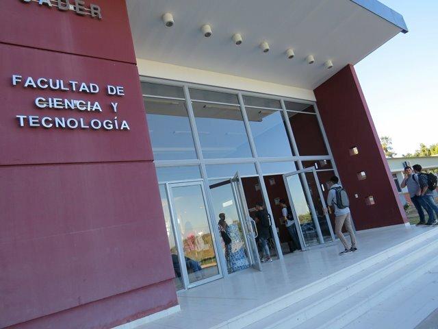 Saludable franquicia en FCyT-UADER: régimen especial de cursado para estudiantes trabajadoras/es y con familiares a cargo