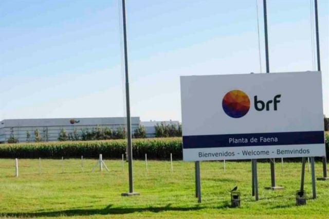 La avícola de un grupo brasileño confirmó un ajuste para evitar el cierre en la Argentina