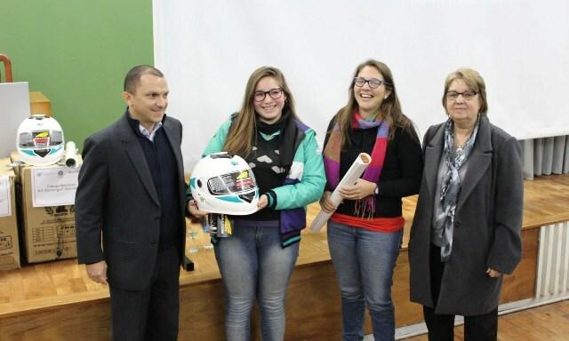 Estudiantes secundarios participaron de una jornada de concientización vial