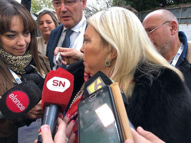 """Ahora Carrió amenazó a Schiaretti: """"si no apoya, no hay obras"""""""
