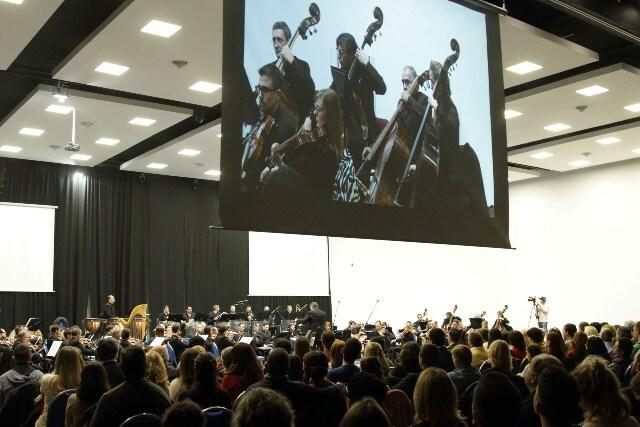 Más de 2.000 personas disfrutaron de La Sinfónica, el Chango Spasiuk y otros invitados de lujo